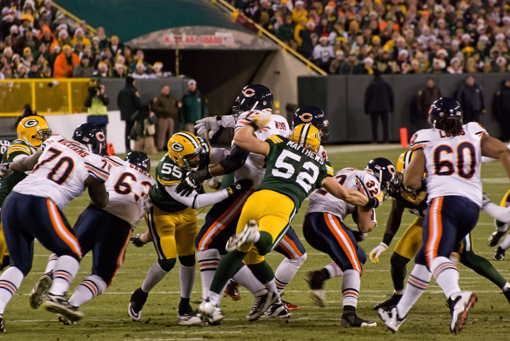 Chicago Bears visit the Green Bay Packers on Thursday Night Football matchup!!!