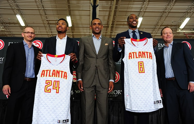 The Hawks have finally managed to sign a big superstar in Dwight Howard!!!